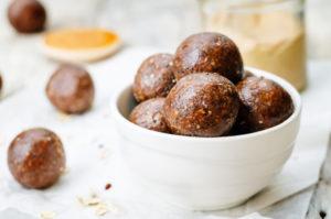 postpartum energy bites, date almond balls